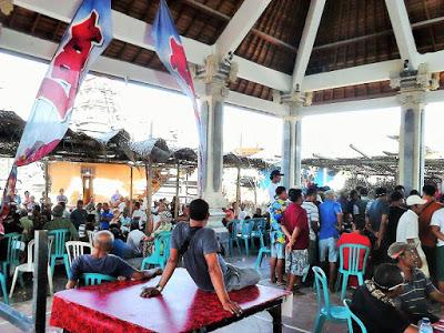 バリ島とレンボンガン島のギャンブル、闘鶏の文化