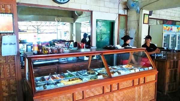 バリ倶楽部おすすめレストラン、特大ピザ、ワルン・イタリア
