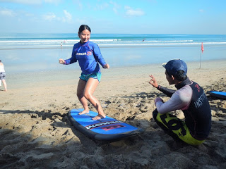 バリ島クタビーチのサーフィン体験スクール
