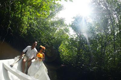 バリ島からレンボンガン島へ新婚旅行フォトウェディングツアー