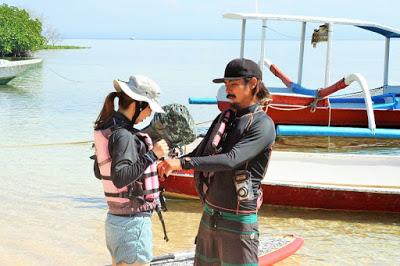 バリ島からレンボンガン島へマングローブSUPツアー