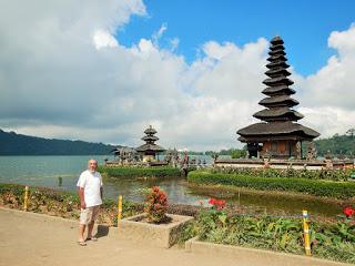 バリ島世界遺産タマンアユン寺院とジャティルイのライステラス